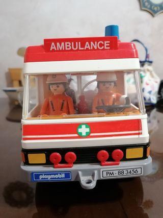 playmobil ambulancia