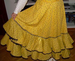 Falda rociera de dos volantes, amarilla