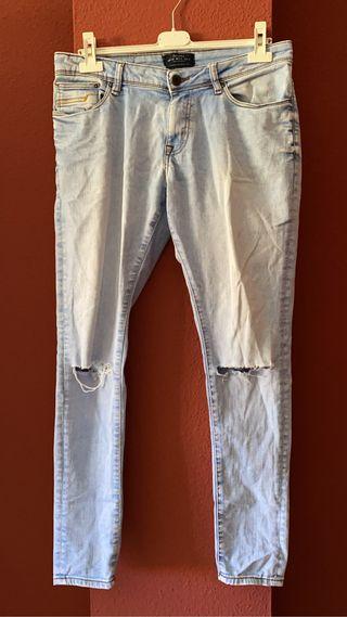 Jeans Claros Roto Rodilla Hombre