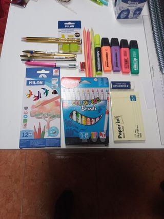 Lote de material de papeleria no escolar.