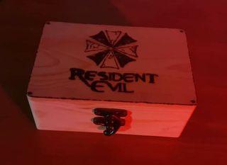 Caja pirograbada resident Evil