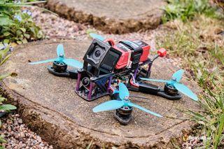 Montaje de Drones FPV
