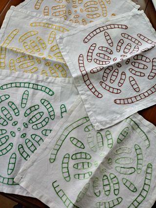 servilletas hechas y bordadas a mano