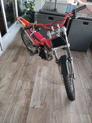 moto hit3 clipic de trial