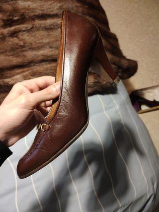 Zapatos Yanko Señora, talla 37.