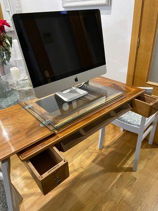 Mueble con marquetería antigua máquina coser
