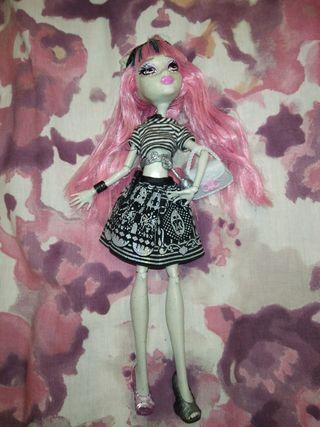 muñeca monster High Rochelle Goyle