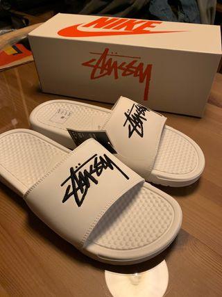 Stussy x Nike sandalias/chanclas