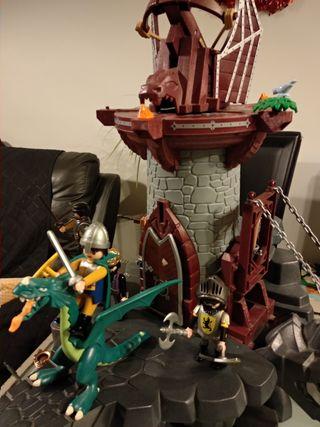 Playmobil. Torre del dragón