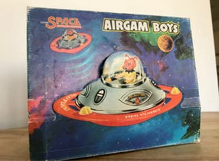 Airgamboys espacial, platillo volante