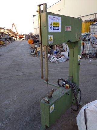 Sierra de cinta industrial para hierro