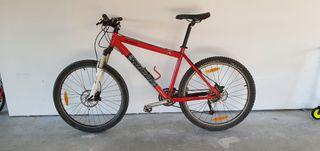 Bicicleta MTB Specialized 26'