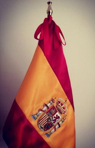 Elegante Bandera de España (Despacho, salón..)