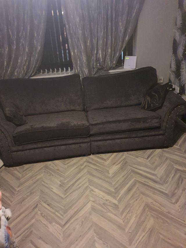 4+4 Black settee
