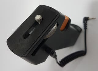 Empuñadura con cable sincro