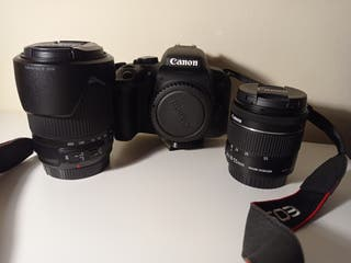 Cámara de fotos Canon Eos 800d + accesorios.