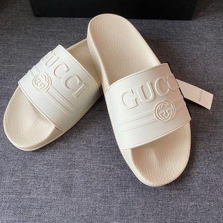 Chancla Gucci con Logo
