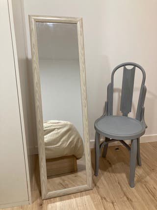 Espejo de pie y silla conjunto
