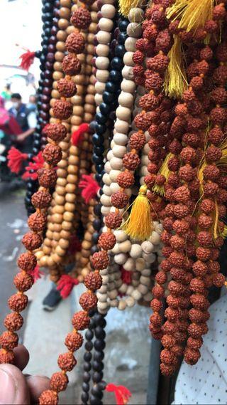 Malas de Rudraksha semillas de tulsi loto perlas