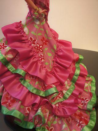 Preciosa antigua muñeca gitana flamenca