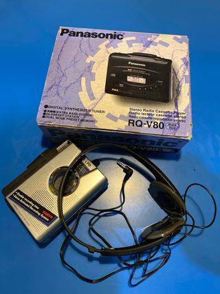 Panasonic RQ-V80 y cascos. Casette/radio/grabador