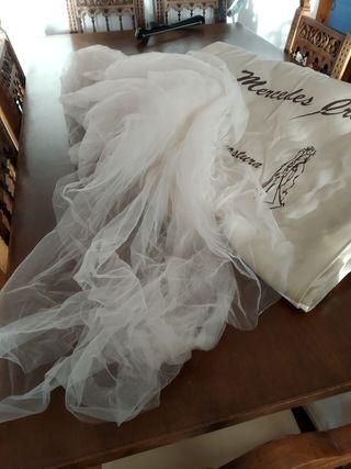 Traje de novia alta costura para reparar