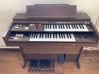 órgano Yamaha A-55