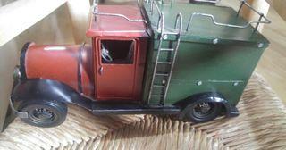 Coche camión de mudanza Jones&Co. De metal.