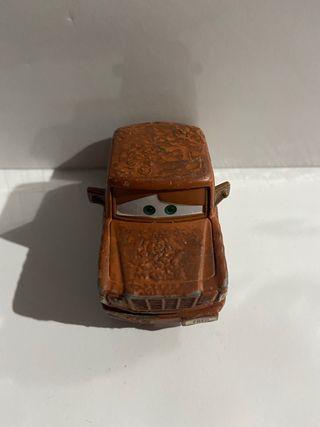 Coche oxidado de la pelicula cars 1