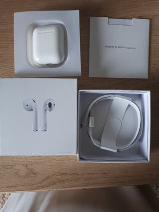 Airpods 2nd generation Brand new sealed 1:1 copy.