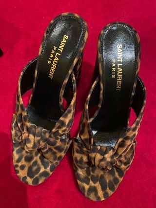 Mules YSL leopardo nuevas
