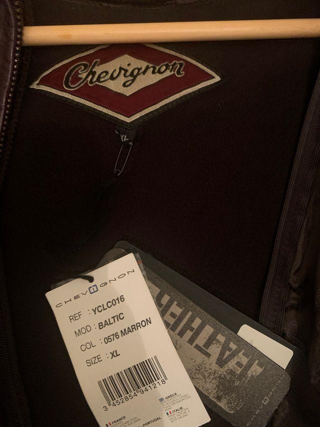 Cazadora cuero Chevignon XL