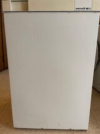 Congelador mini marca ariston