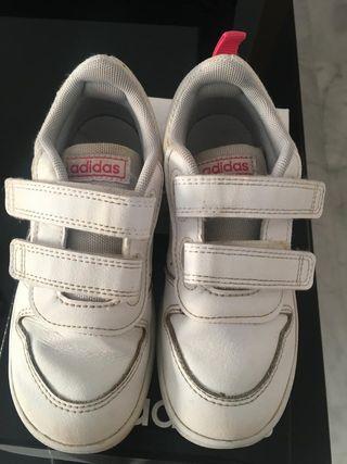 Zapatillas de deportes adidas numero 27