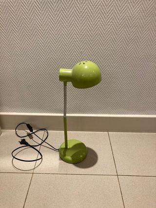 Lámpara de estudio verde