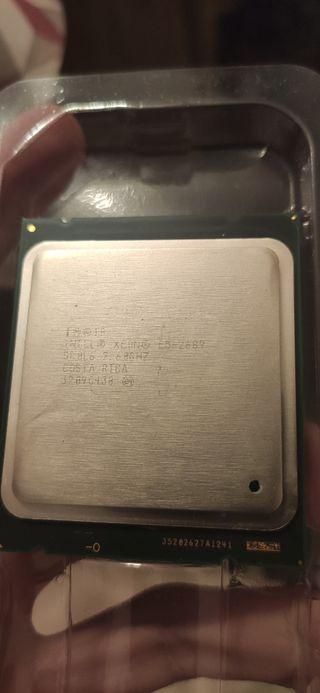 Procesador intel xeon E5-2689