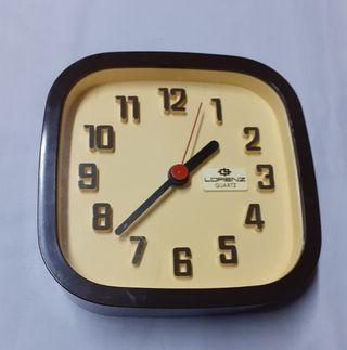 Reloj de pared. Vintage. Lorenz Quarz.