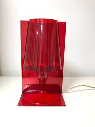 Lámpara KARTELL modelo TAKE en rojo