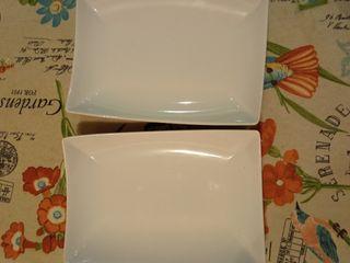 2 platas rectangulares de cerámica IKEA