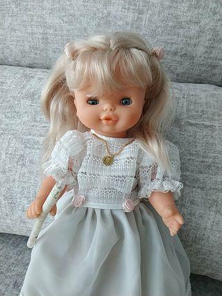 muñecas Helen de famosa