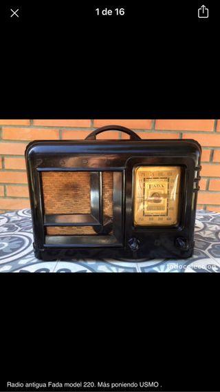Radio antigua Fada model 220 no probada