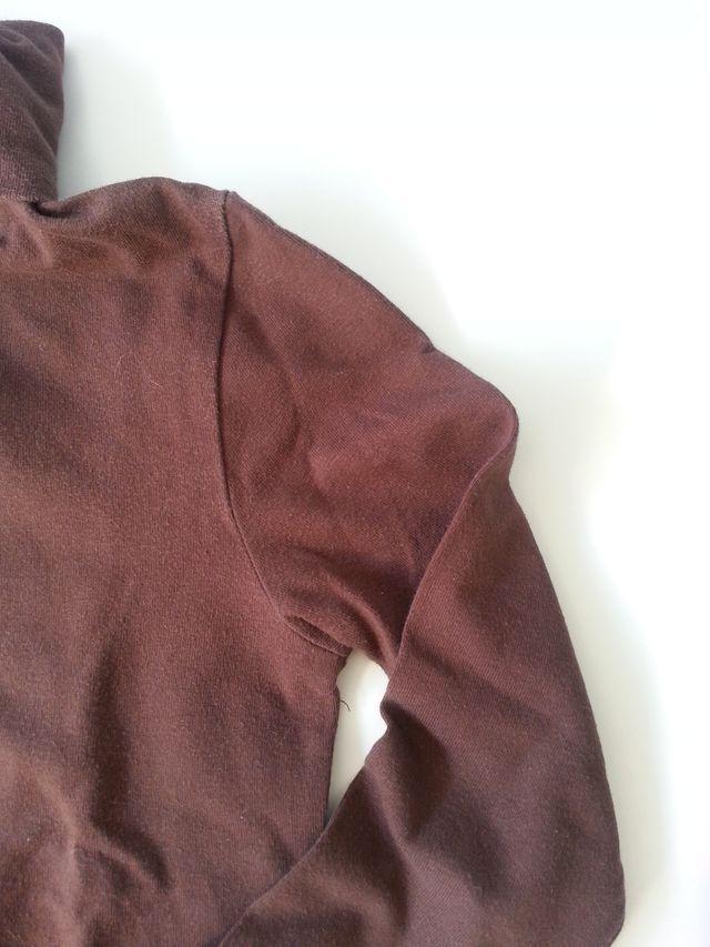 (582) (3x2) Camiseta marrón 5-6 años