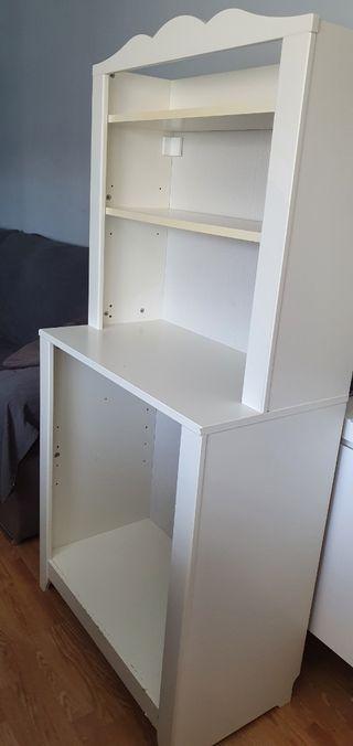 Libreria cuarto infantil Ikea