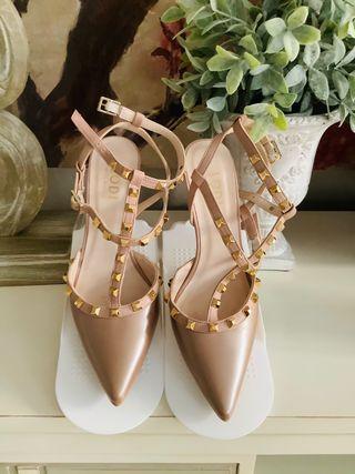 Zapatos Lodi modelo Valentino. T39