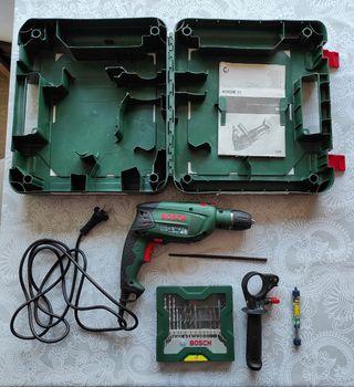 Taladro Bosch PSB 650 RE con brocas