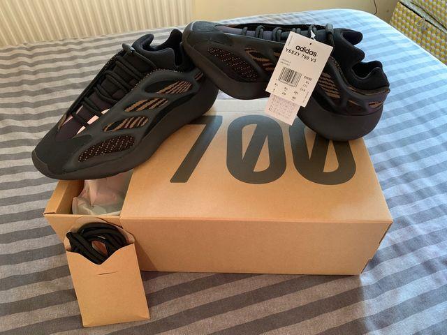 Adidas Yeezy Boost 700 Clay Brown 8.5UK
