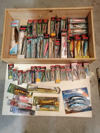Señuelos de pesca vintage y rapalas.