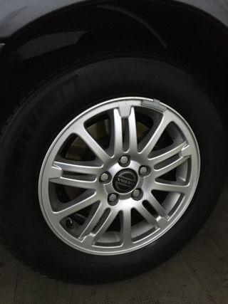 Llantas con neumáticos Volvo