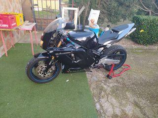 Yamaha fzr1 1000cc