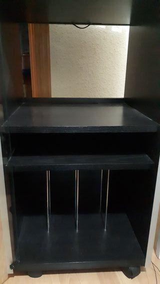 Mueble de madera para equipo de música